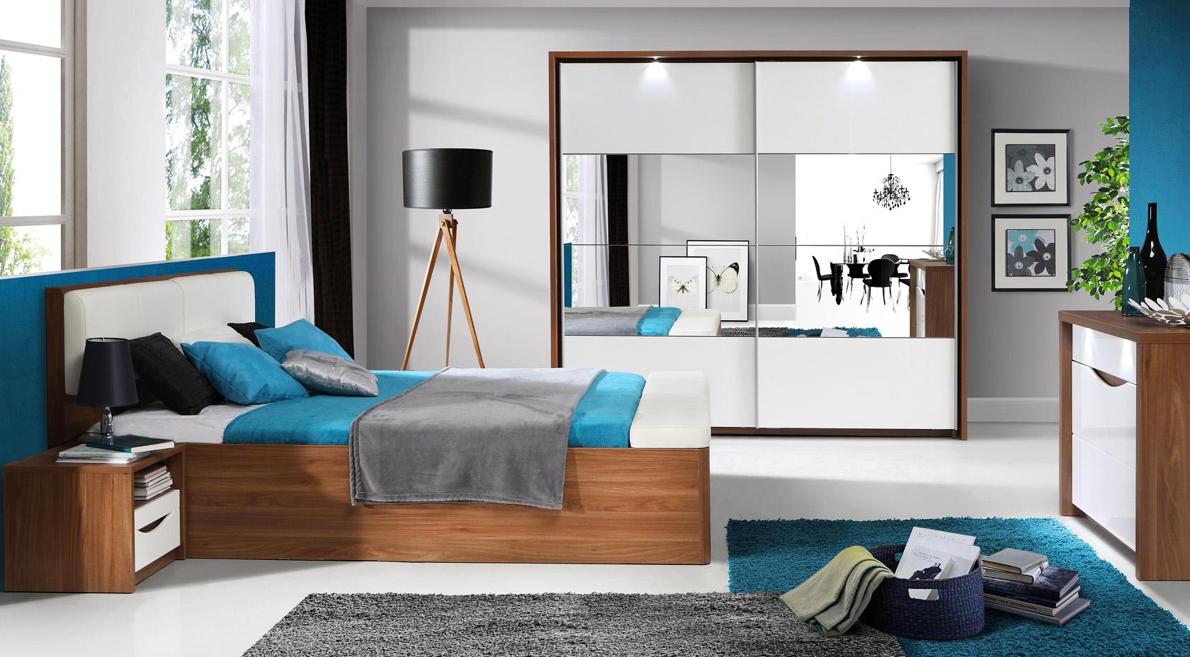Meble systemowe Saint Tropez do sypialni marki Forte